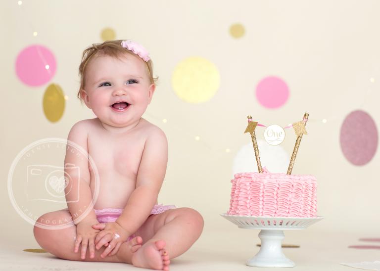 Genie Leigh Photography Cake Smash